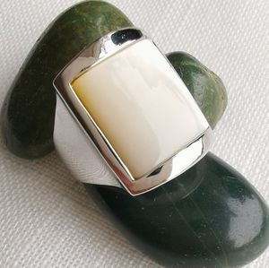 NWT Mother of Pearl silver 14k gold ring